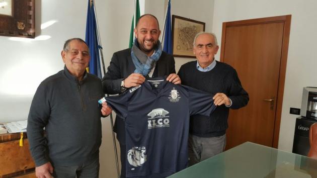 """Contro l'Arzachena maglia speciale """"Christmas Match"""" e solidarietà per Iannarilli e compagni"""