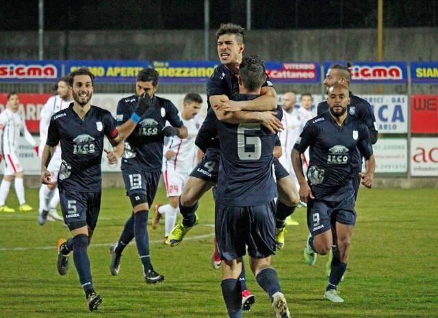 PLAY OFF NAZIONALI – Espugnata Pisa 3-2. I gialloblu vincono pure in Toscana e volano ai Quarti